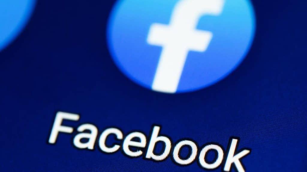 Facebook... Comment relier profil et Fan page ?? 1