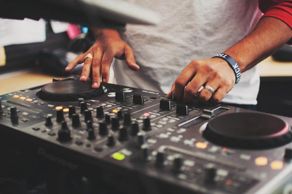 Une musique libre de droit pour votre vidéo marketing? 3