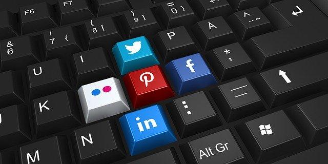 reseaux-sociaux-animation-facebook-linkedin-smo